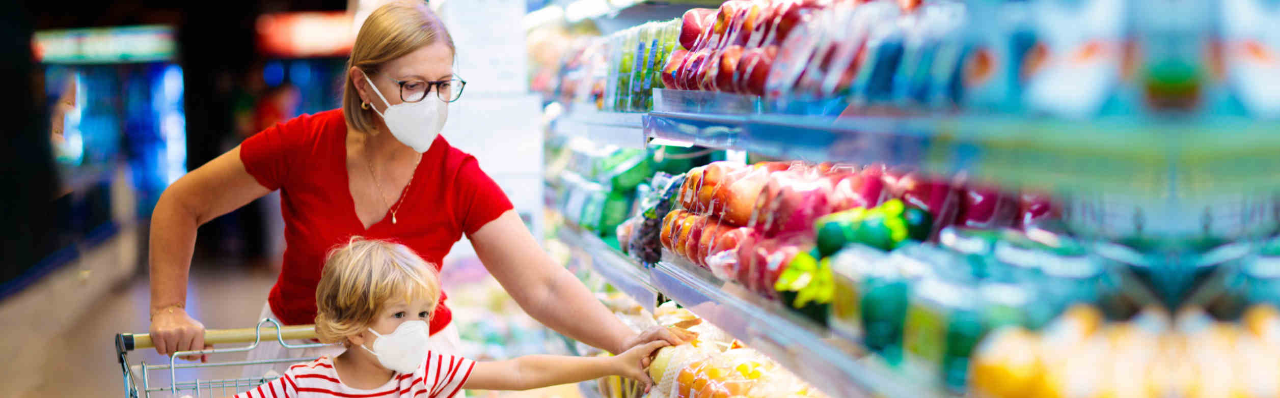 mother-daughter-healthy-choice-for-grocery